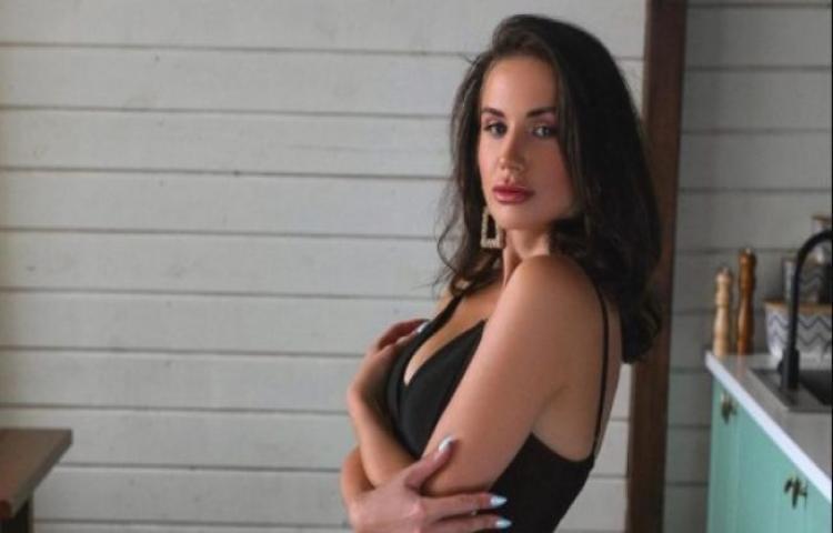 Model Cantik Usut Pencurian Foto Bugil yang Dipakai untuk Menipu